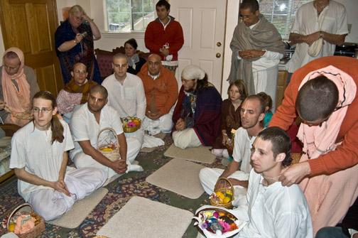 The Oregon devotees seeking connection