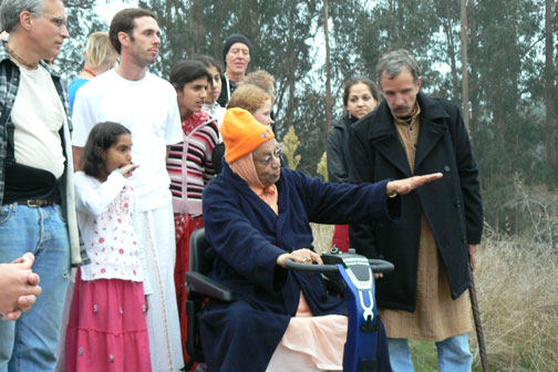 Srila Gurudev gives some guidance.
