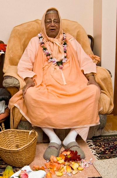 Om Vishnupad Sri Srila Bhakti Sundar Govinda Dev-Goswami Maharaj