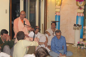 Siddhanti Maharaj tells everyone about Mahaprabhu's plan.