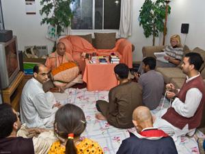 Janardan Maharaj leads everyone in chanting the holy Names.