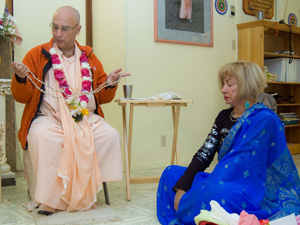 Sripad Janardan Maharaj performs the Hari Nam initiation ceremony on behalf of His Divine Grace Srila Bhakti Sundar Govinda Goswami Maharaj