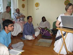 Venkatesh Prabhu, Jayanta Krishna Prabhu and his friend, Ajit Kumar Prabhu, Madhumita Devi and Kumkum Didi.