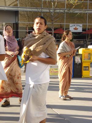 Laxmipriya Didi, Vamsi Bihari Prabhu and Mahadevi Didi.