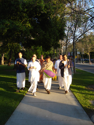 The kirtan was going full steam the whole way.