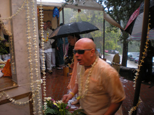 Ramai Prabhu gets drenched.