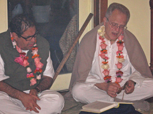 Sarvabhavana Prabhu with Jaganath Swami Prabhu, who brought a group of devotees from Tijuana just for this occasion.