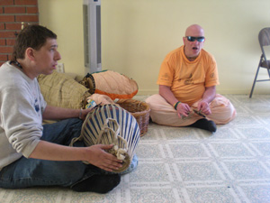 Ajita Krishna Prabhu drove down from Northern California and arrived in time to join Ramai Prabhu in singing the Bhoga Arotik song for Their Lordships.