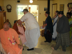 as well as Sripad Bhakti Madav Puri Maharaj 